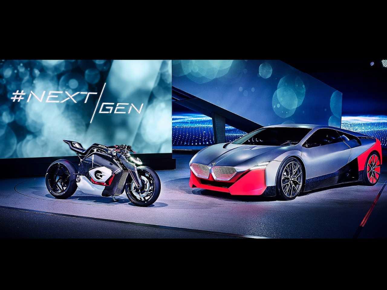 Acima os conceitos Vision DC Roadster (moto) e Vision M Next