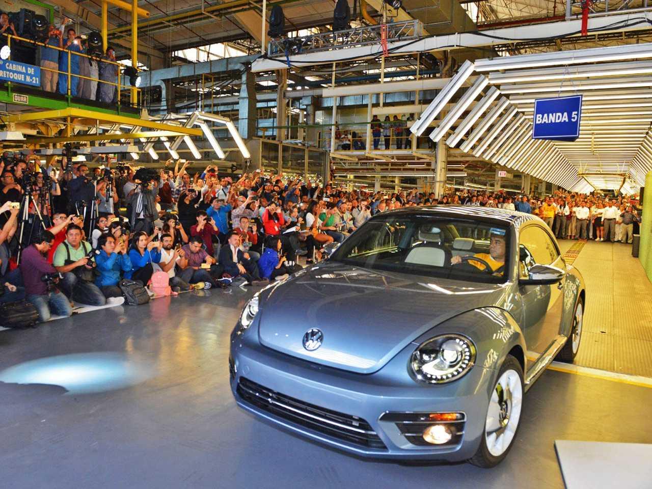 O último Fusca/Beetle sai da linha de produção no México: será mesmo o fim?