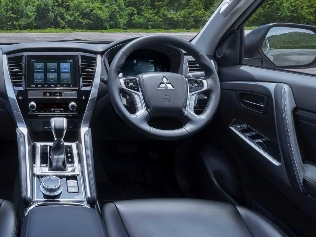 MitsubishiPajero Sport 2020 - bancos dianteiros