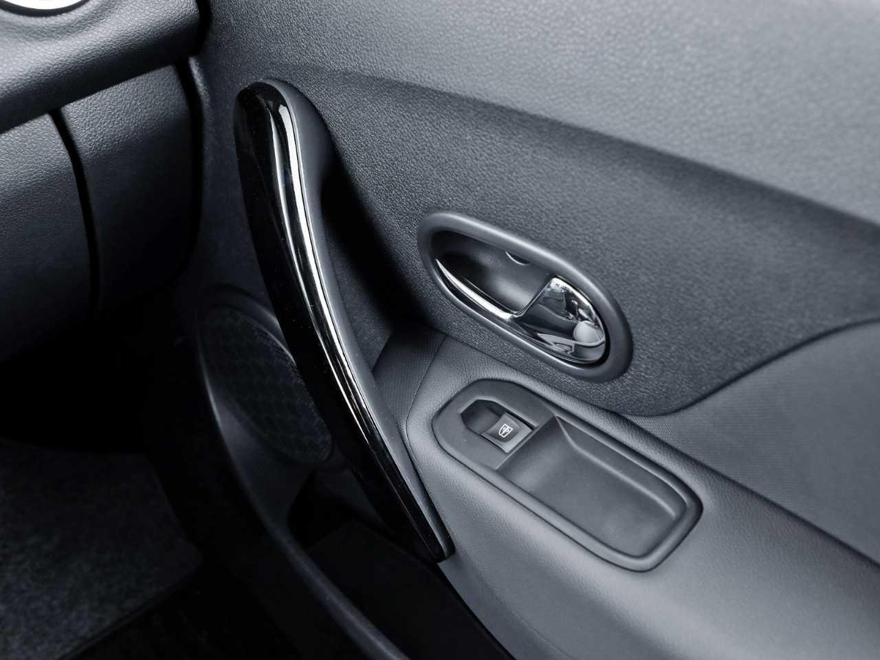 RenaultSandero 2020 - portas