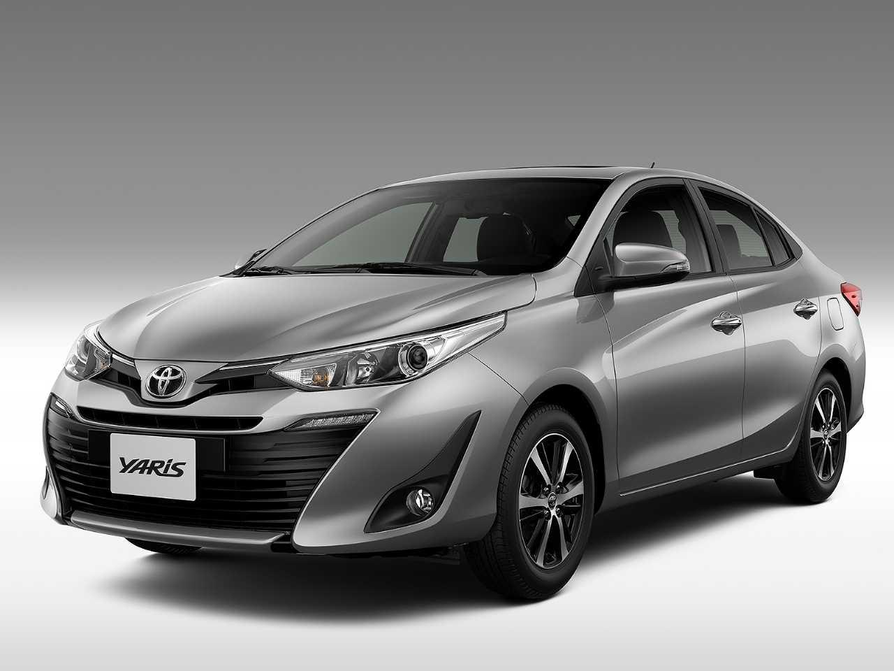 Toyota Yaris Sedã 2020