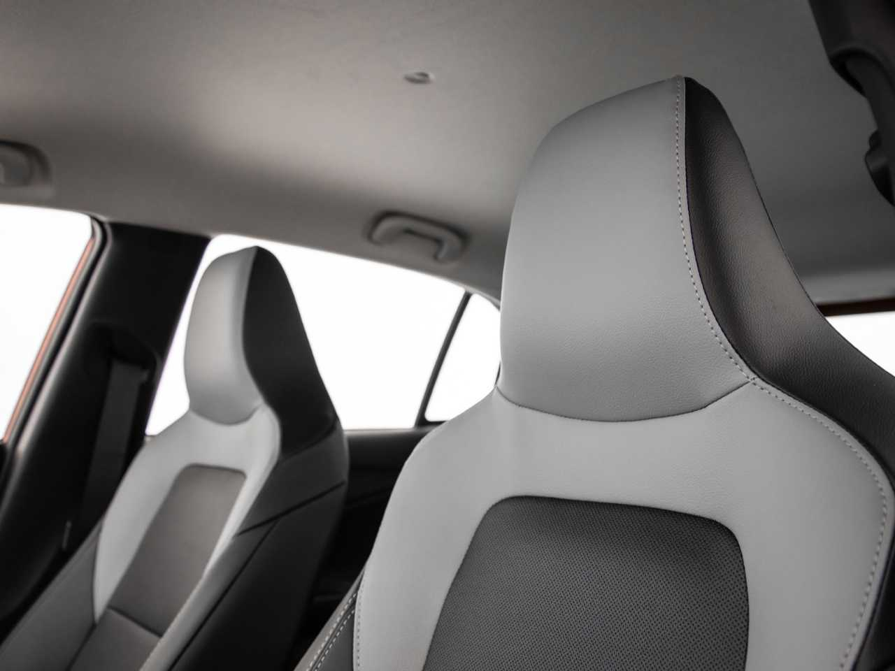 ChevroletOnix 2020 - bancos dianteiros