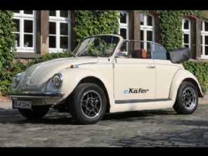 Agora é possível transformar um Fusca em um carro elétrico, e de forma oficial!