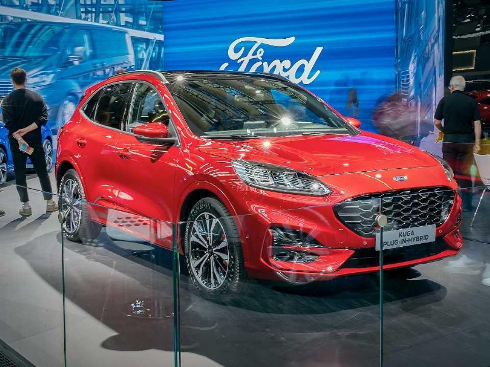 Ford Kuga Plug-in Hybrid: destaque da marca no Salão de Frankfurt