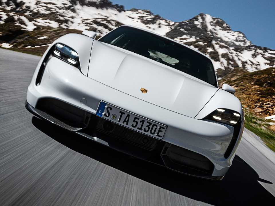 PorscheTaycan 2020 - frente