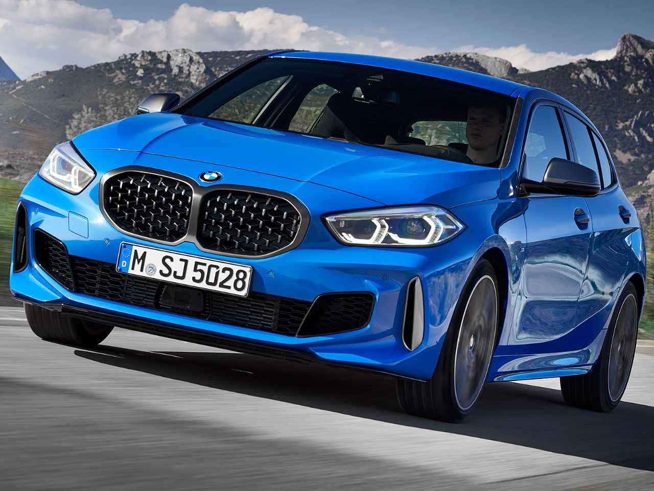 BMW M135i xDrive baseado na geração mais recente do hatch