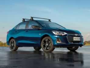 No México, Chevrolet Onix Plus custa quase R$ 10 mil a menos e é mais potente