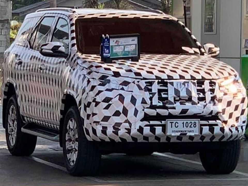 Unidade do Toyota SW4/Fortuner em testes na Tailândia