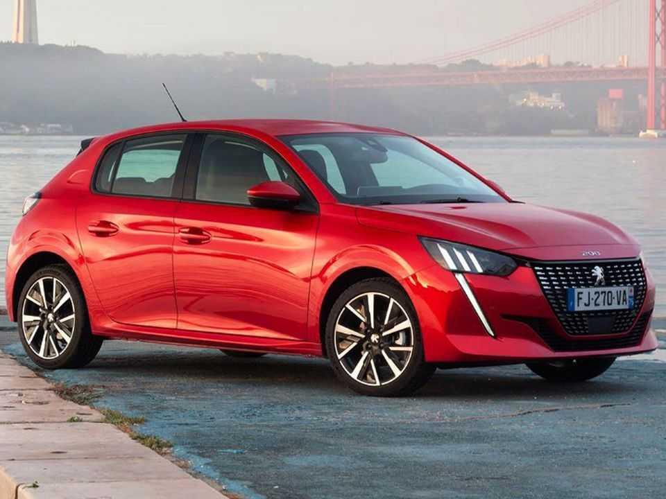 Acima a nova geração do Peugeot 208