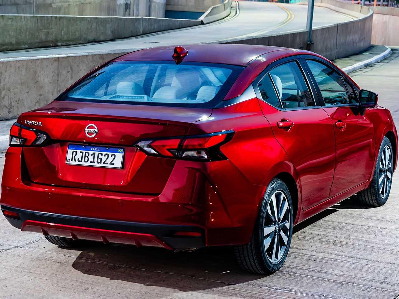 NissanVersa 2021 - ângulo traseiro