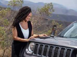 Modelos de Fiat, Jeep e Ram vendidos no Brasil terão internet embarcada a partir de 2021