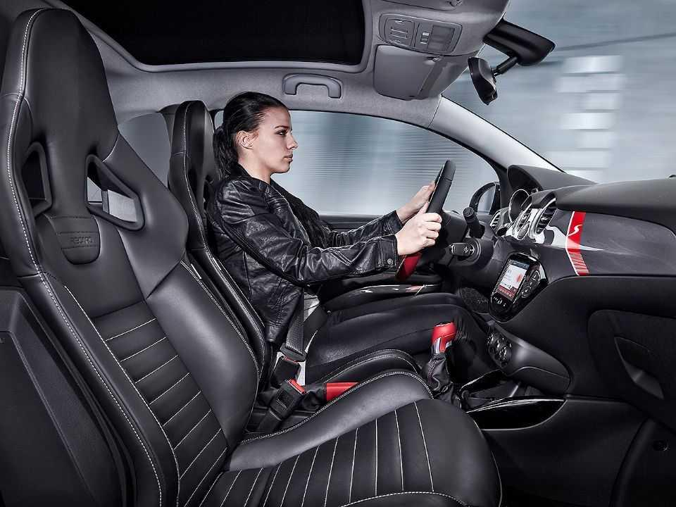 Mulheres demonstram mais prudência ao volante