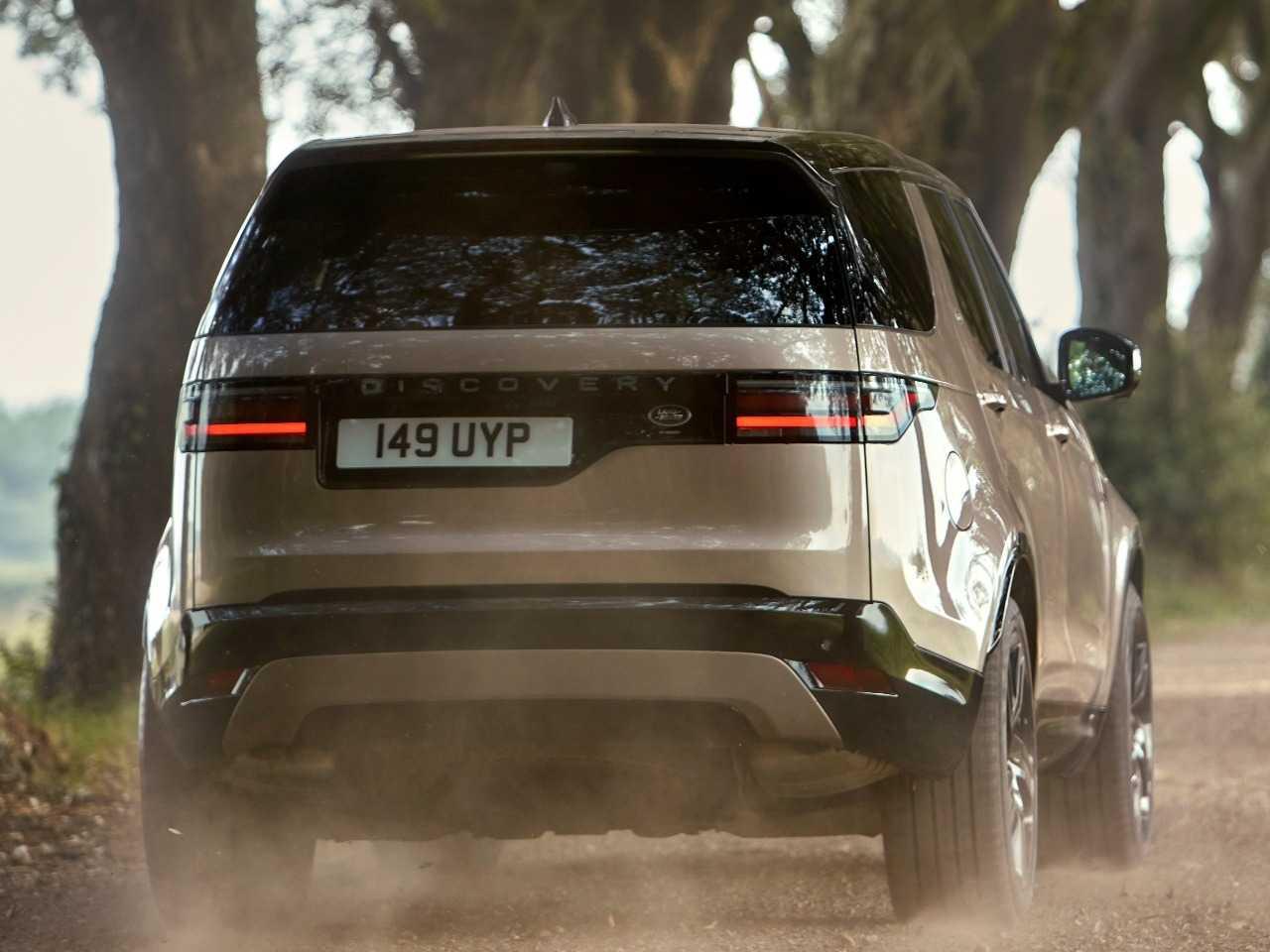 Land RoverDiscovery 2021 - ângulo traseiro