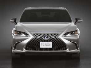 Mais equipado, Lexus ES 300h 2021 estreia no Brasil por R$ 326.990