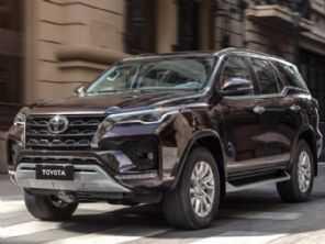 Nova geração do Toyota SW4 estreia em 2022 com opção híbrida