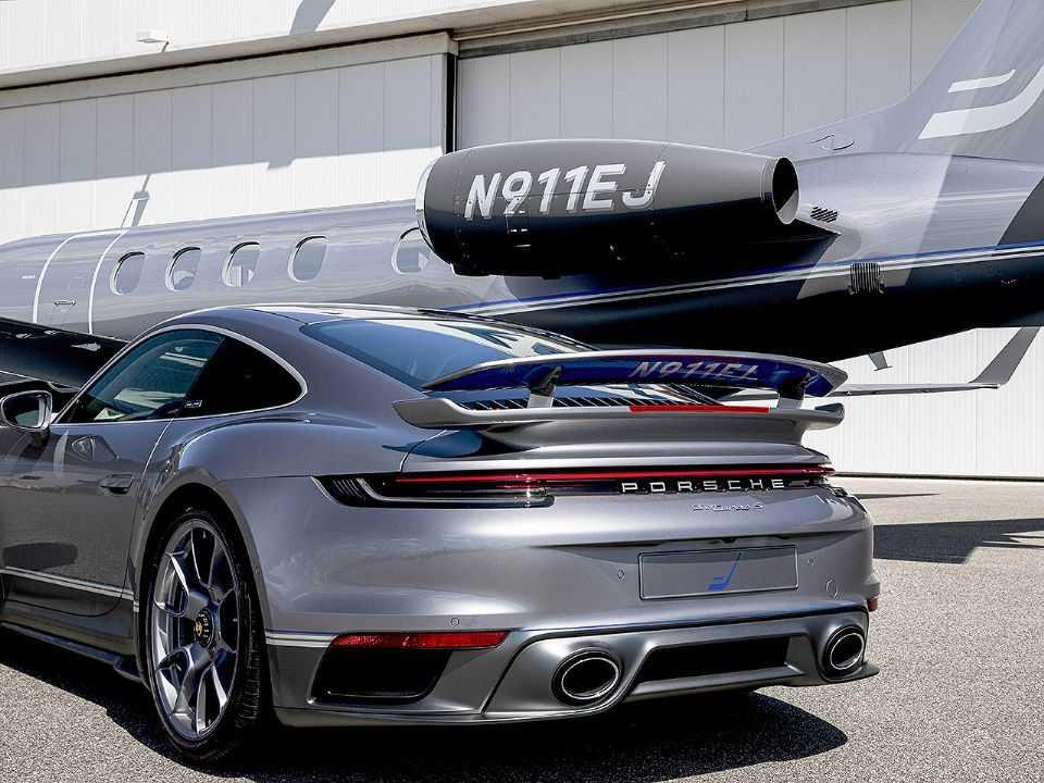 Matricula da aeronave também figura no 911 Turbo S
