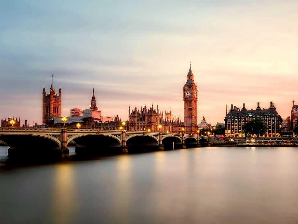 Reino Unido estabeleceu meta para se tornar neutro na emissão de carbono por volta de 2050