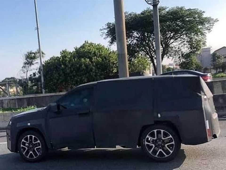 Futuro SUV 7 lugares da Jeep em testes no Brasil