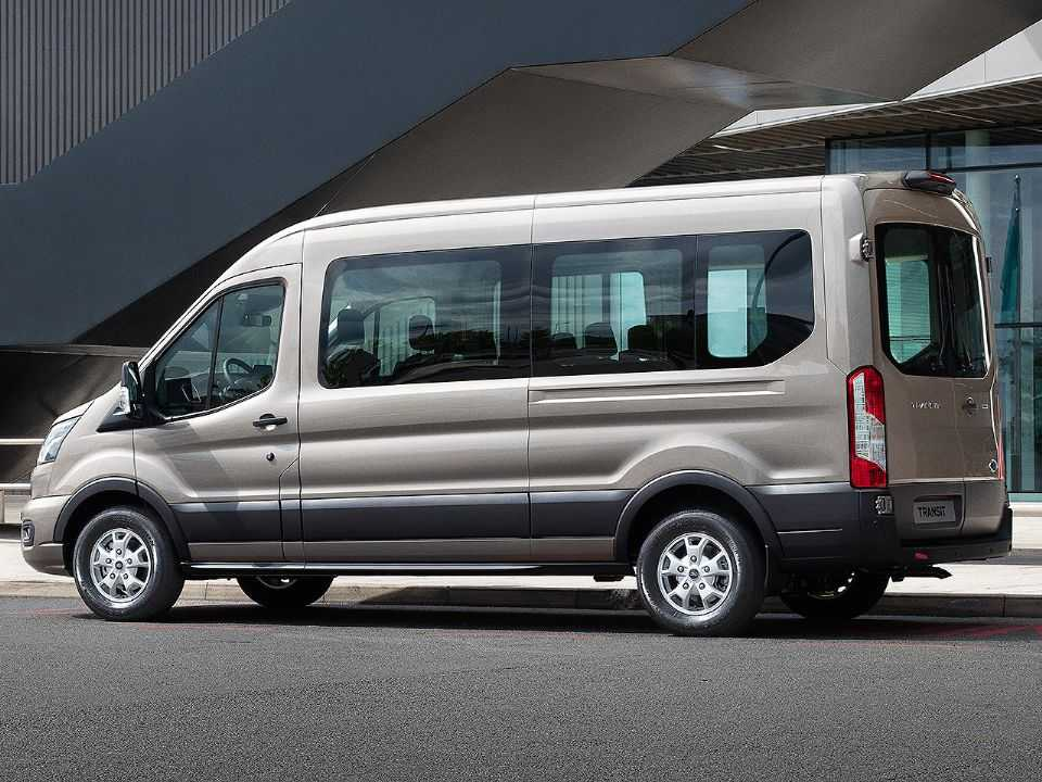 Acima a Ford Transit atualmente vendida na Europa
