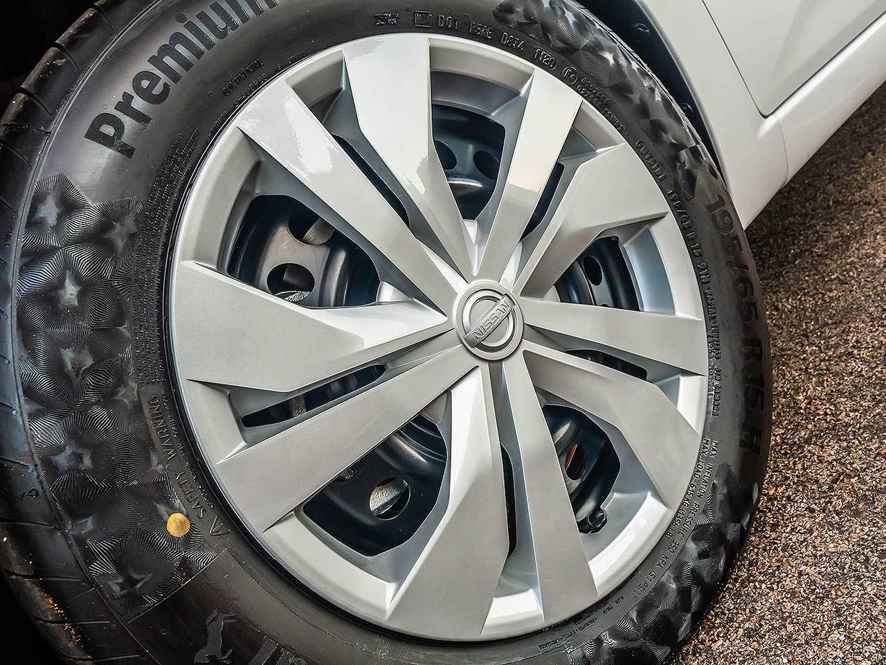 NissanVersa 2021 - rodas