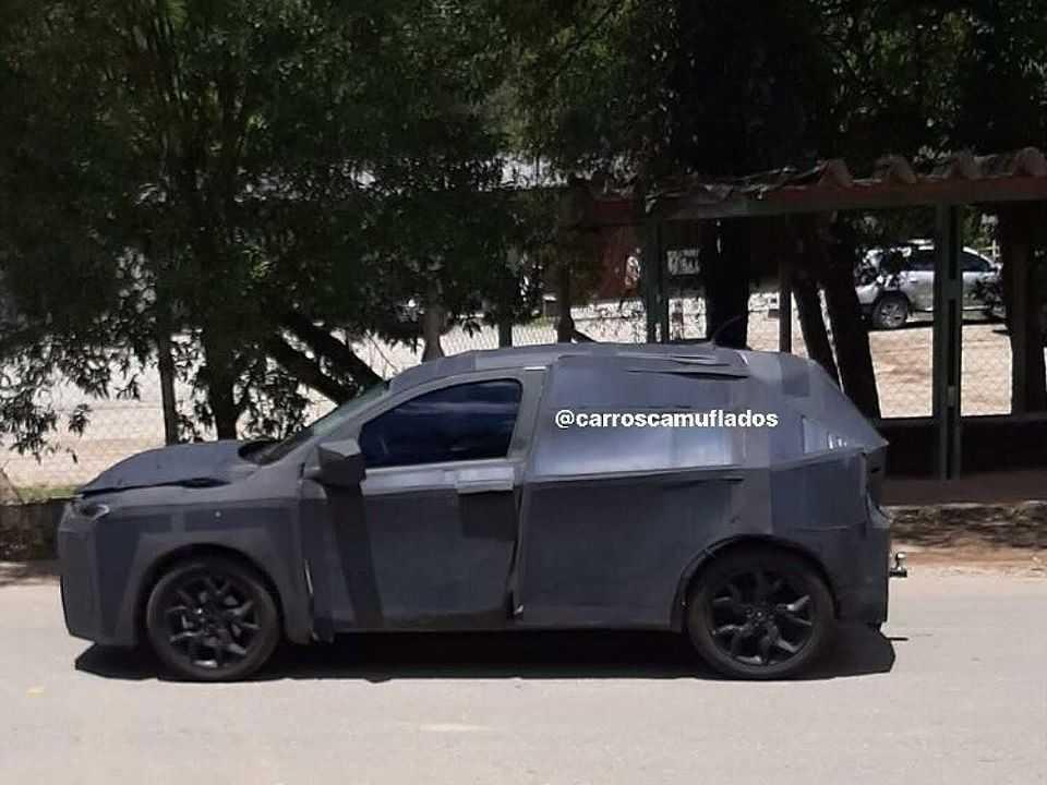 """Flagra do futuro """"SUV do Argo"""" em testes no interior de São Paulo"""