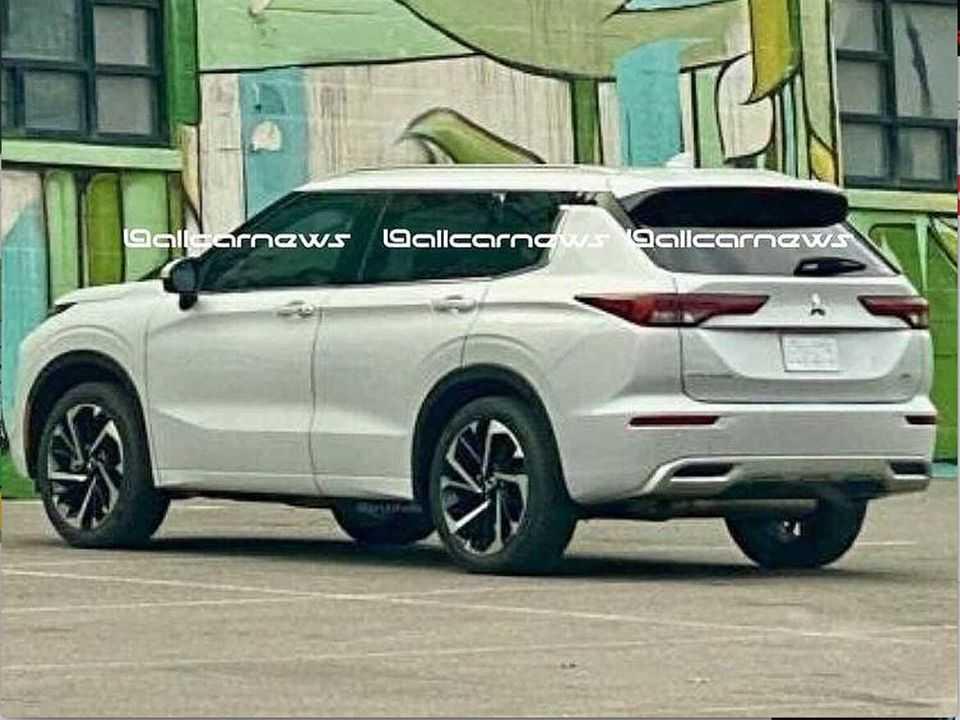 Flagra do novo Mitsubishi Outlander publicado pelo Allcarnews no Instagram