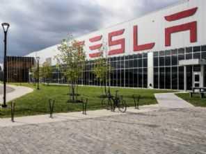 Governo estaria negociando fábrica da Tesla no Brasil
