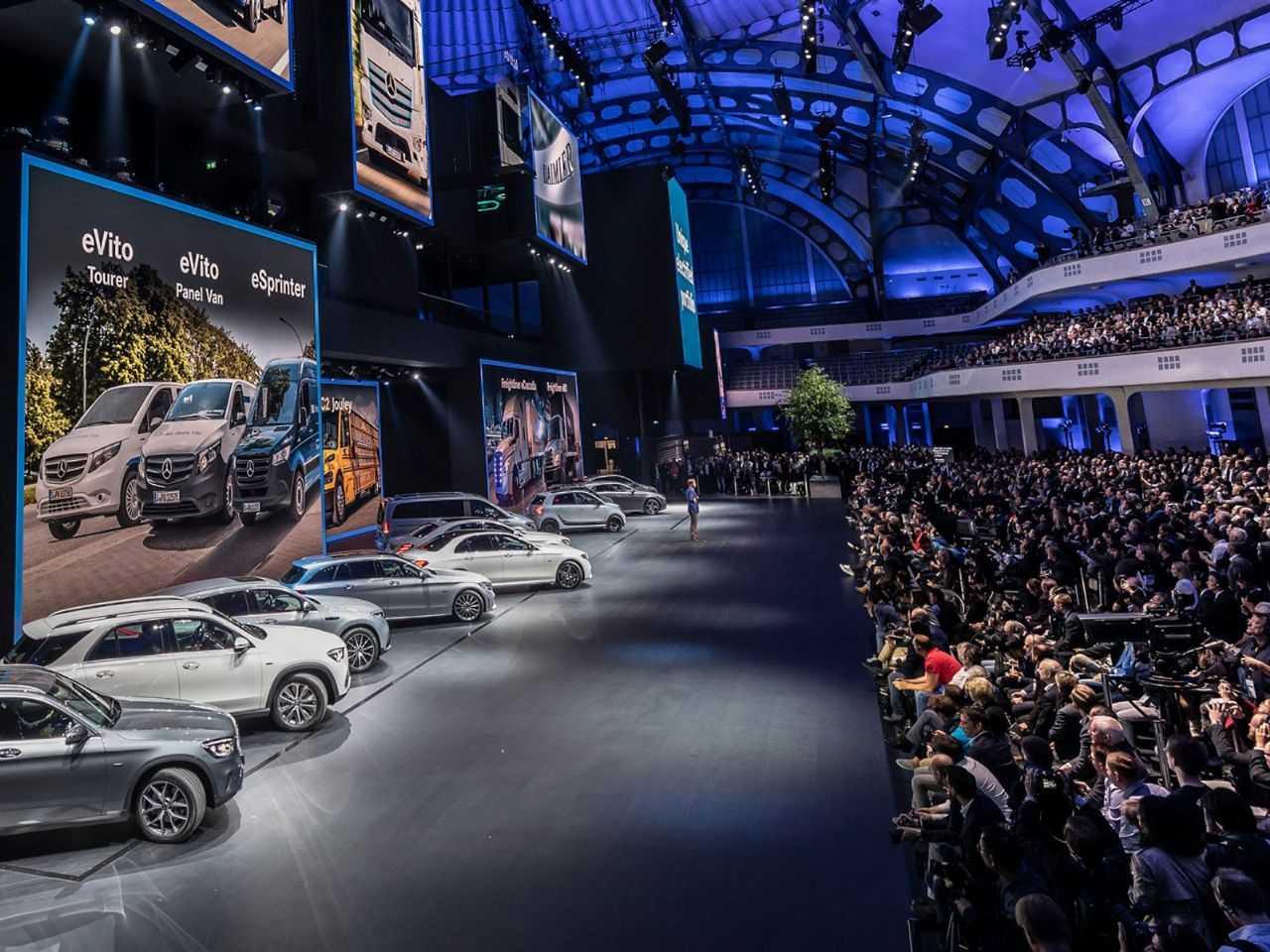 O estande da Mercedes-Benz no Salão de Frankfurt de 2019: no ano que vem, evento será sediado em Munique