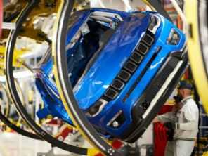 Fiat Chrysler paralisa produção na Itália
