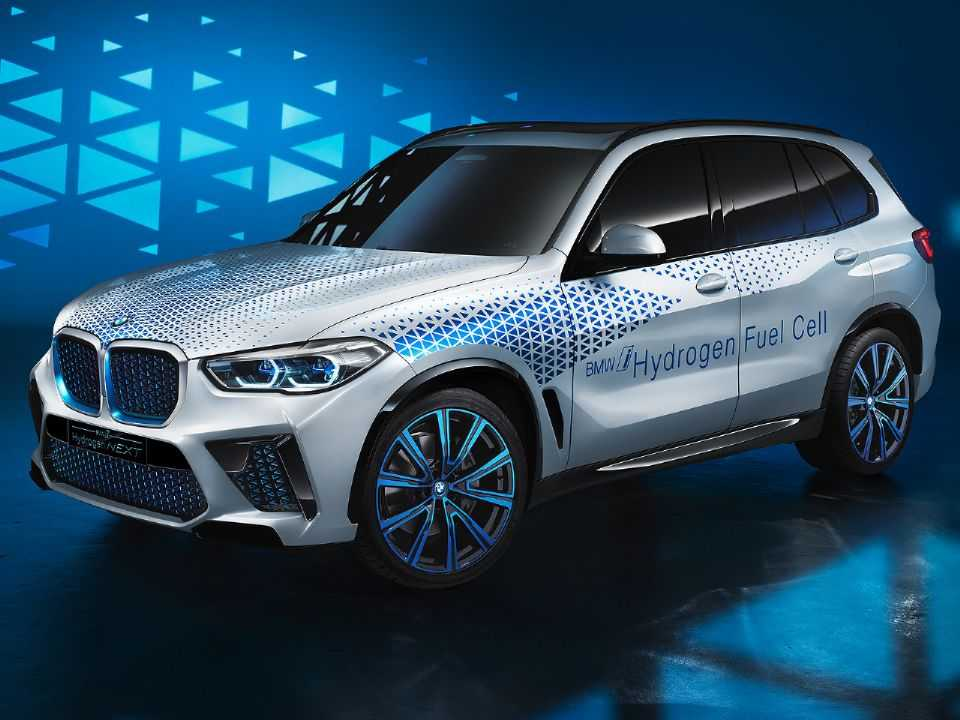 Acima o conceito BMW i Hydrogen NEXT: versão do X5 movido a célula de combustível