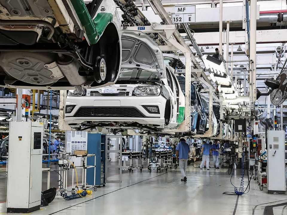 Linha de produção da VW em Taubaté (SP)