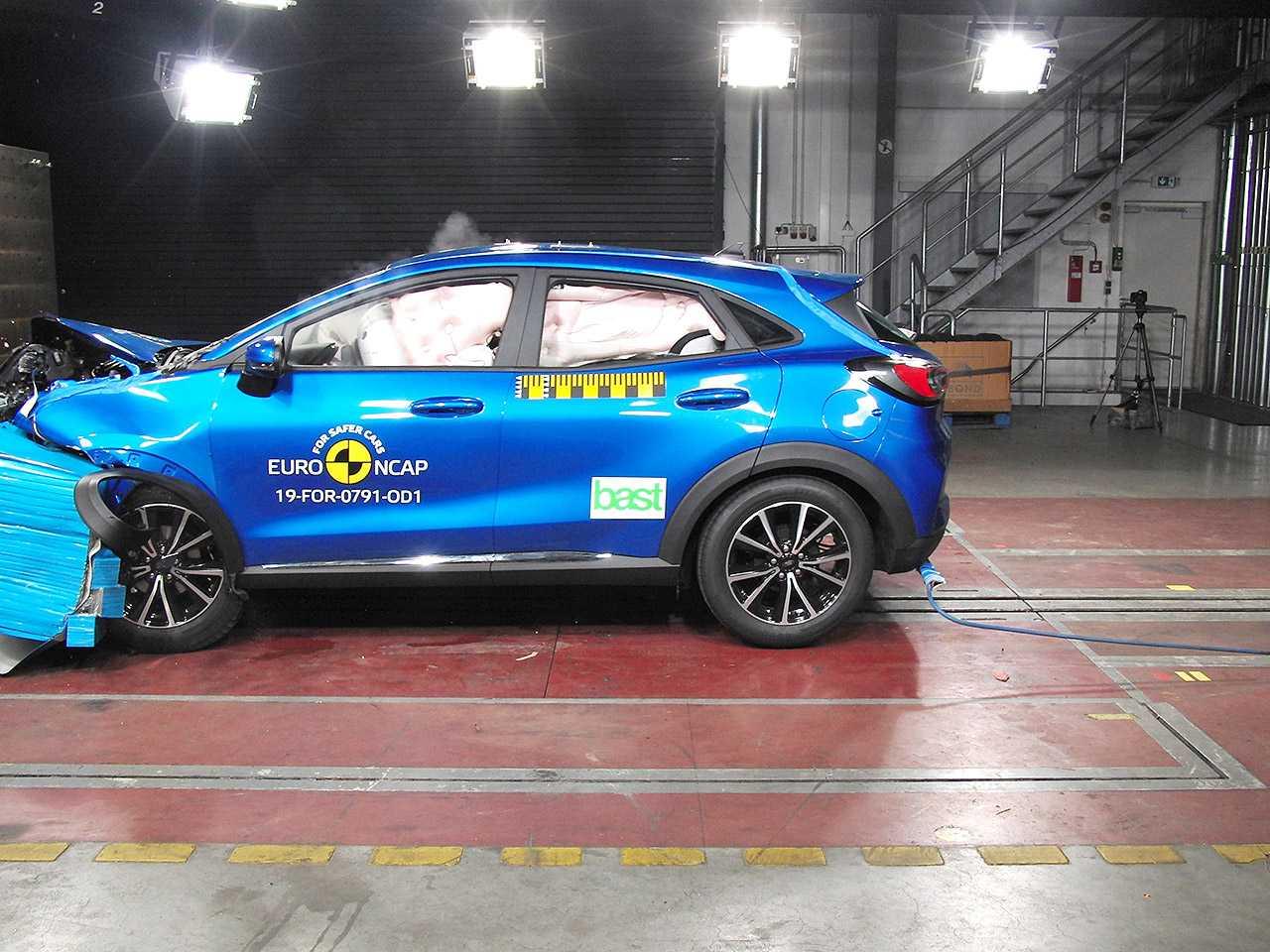 Ford Puma durante ensaio realizado pelo Euro NCAP
