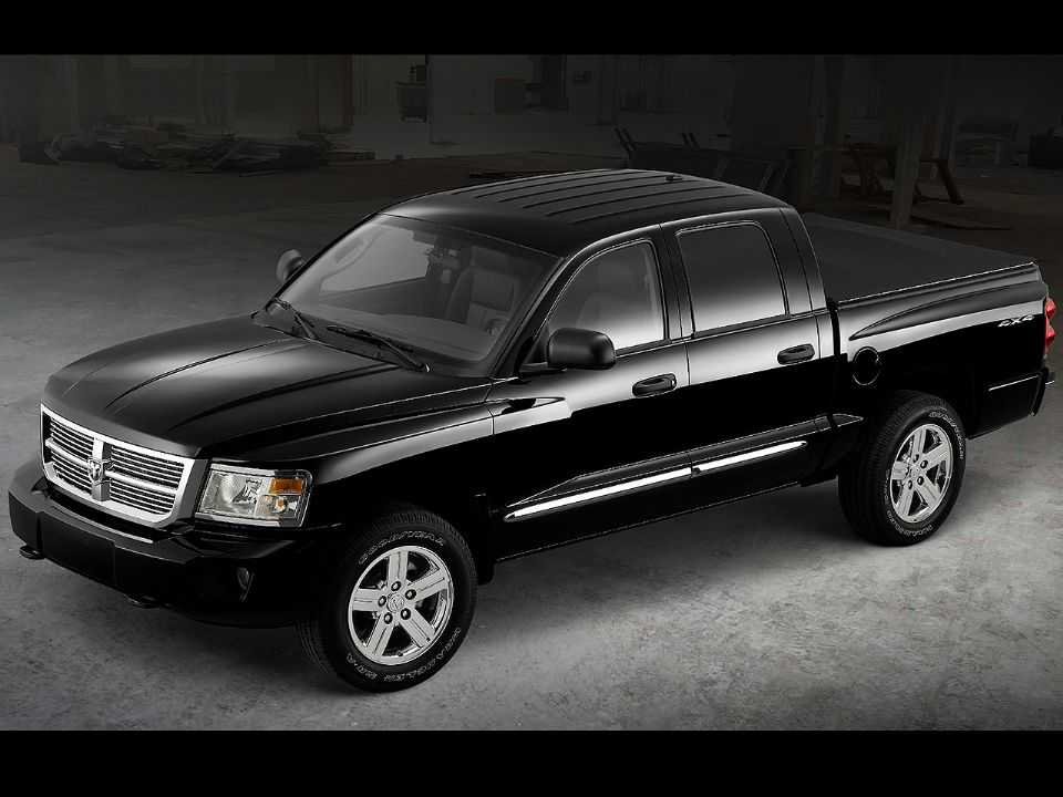 Acima a quarta geração da Dodge Dakota, até o momento a última a ser produzida
