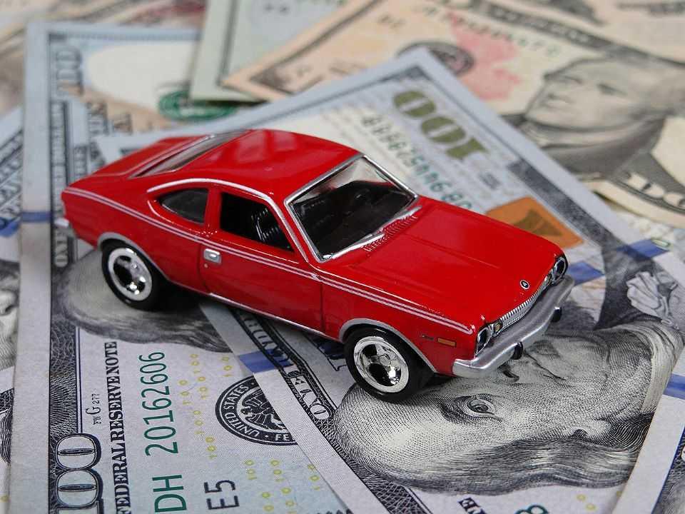 Por utilizar componentes importados, preço dos carros nacionais é impactado por altas no dólar