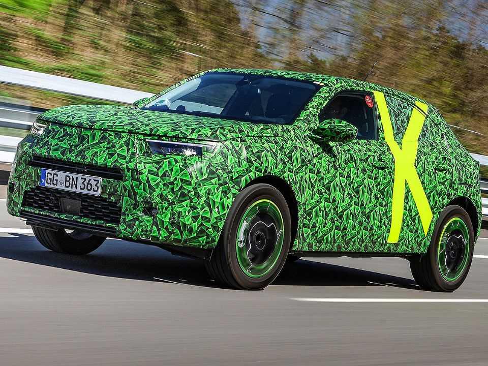Primeiras imagens oficiais da nova geração do Opel Mokka ainda sob disfarce