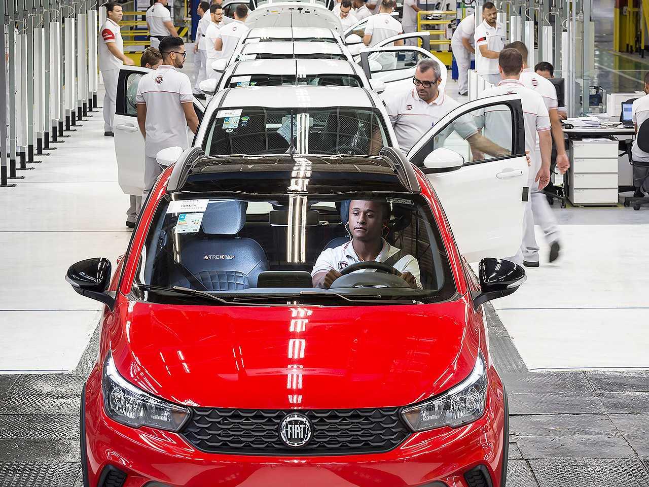 Linha de produção da Fiat em Betim (MG)