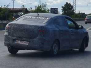 Nova geração do Renault Logan é flagrada em testes na Europa