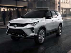 Toyota pede registro do novo SW4 no Brasil