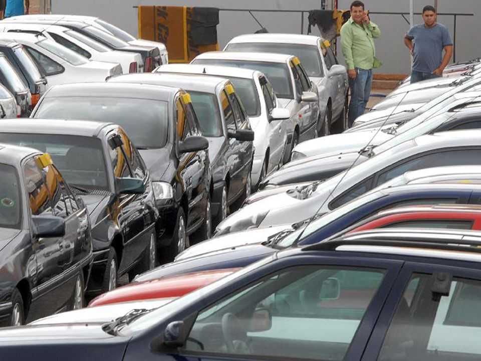 Usados: público busca levantar dinheiro vendendo o carro atual