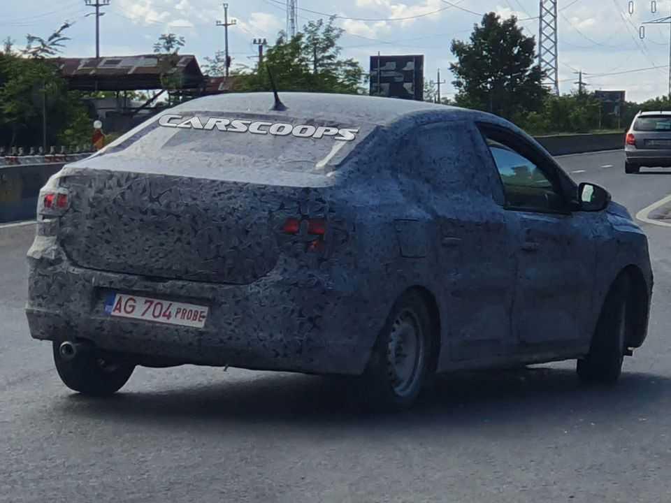 Flagra da nova geração do Renault Logan em testes
