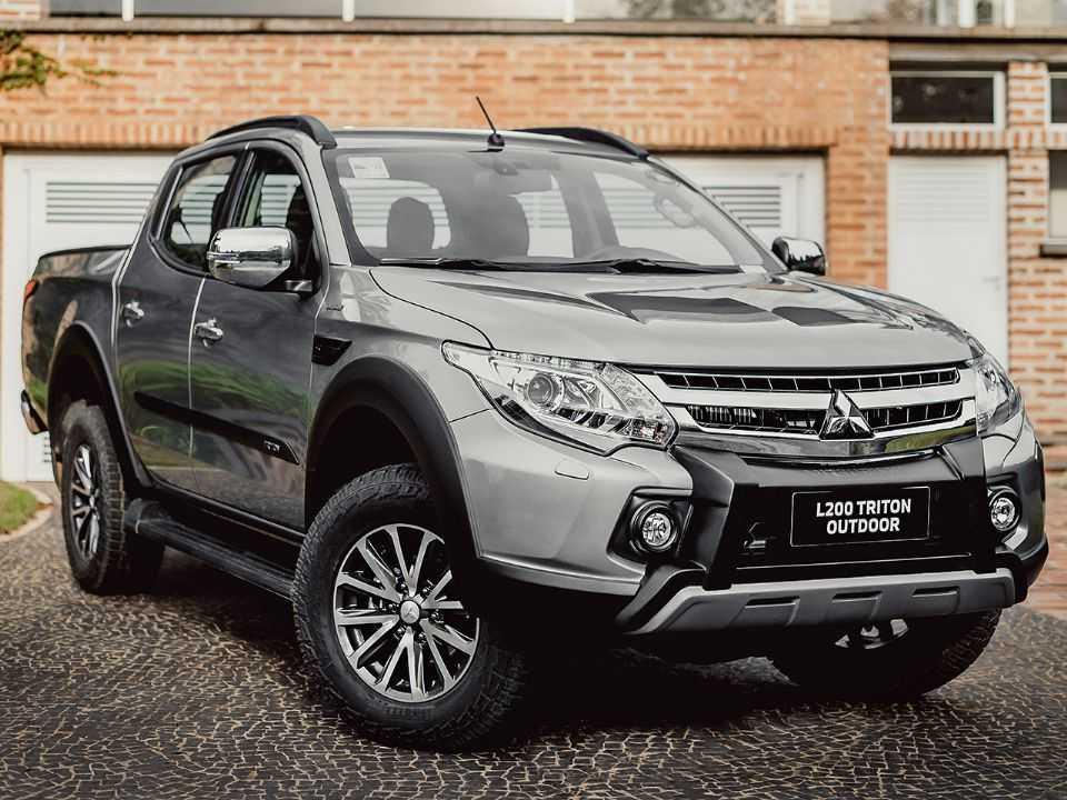 MitsubishiL200 Triton 2021 - ângulo frontal
