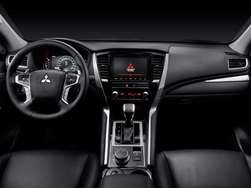 MitsubishiPajero Sport 2021 - painel