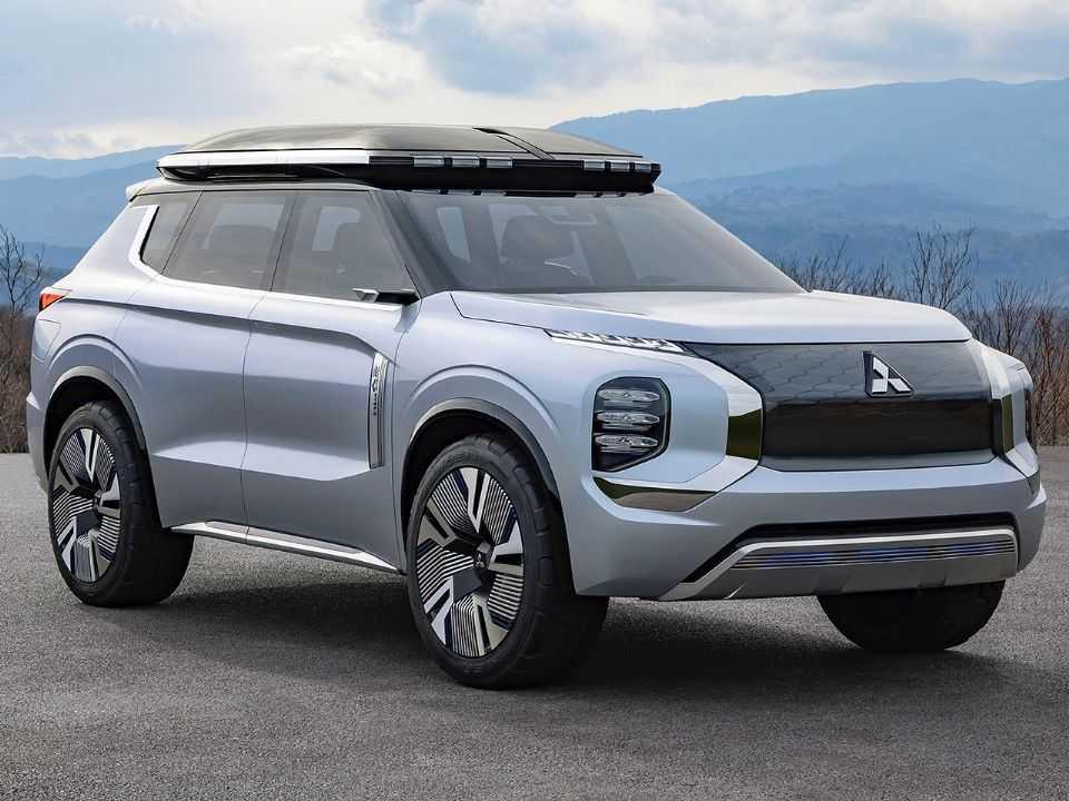 Acima o conceito Mitsubishi Engelberg Tourer revelado em 2019