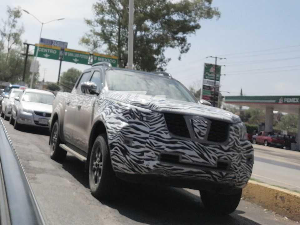 Flagra da Frontier em testes no México: picape receberá facelift em breve
