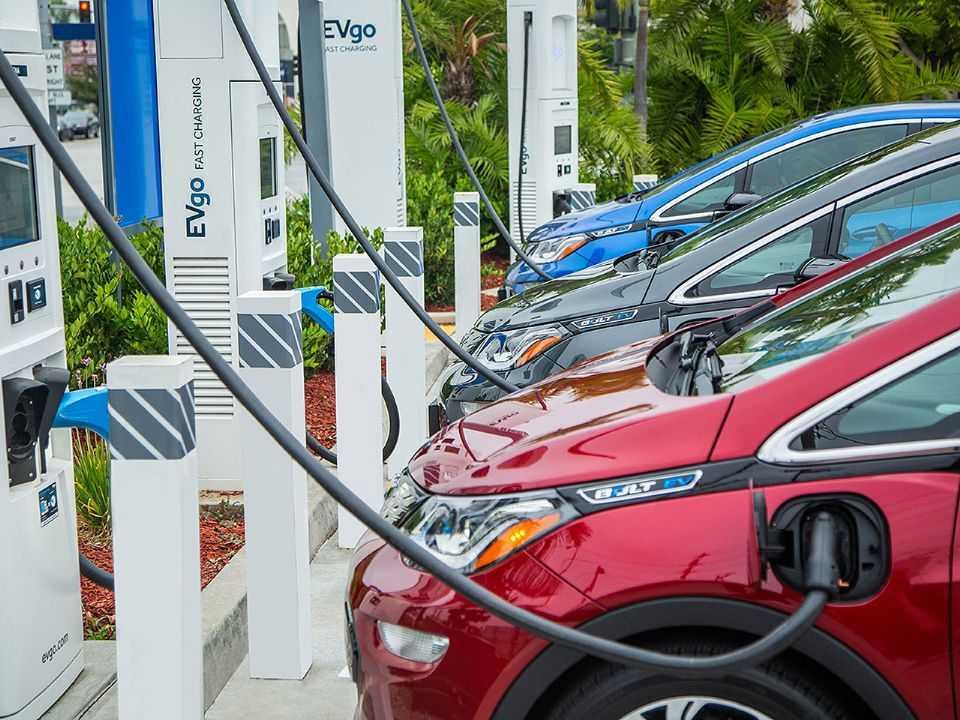 GM busca formas de aprimorar sua rentabilidade no universo de carros elétricos