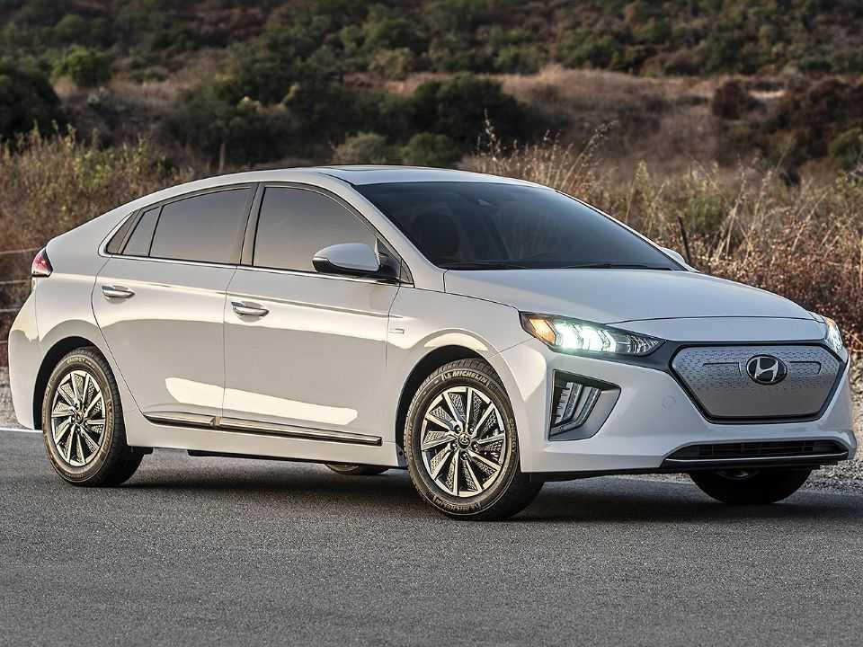 Acima o Hyundai Ioniq em sua configuração 100 elétrica