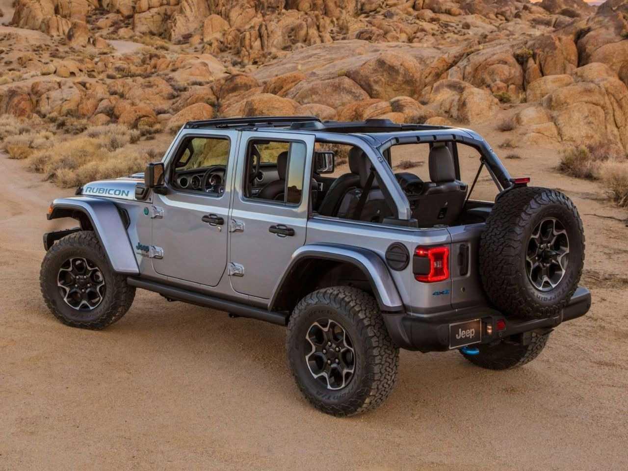 JeepWrangler 2021 - ângulo traseiro