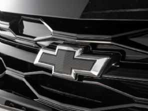 GM confirma lançamento do Onix Plus Midnight no Brasil