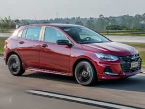 Chevrolet apresenta o Onix RS e o inédito Onix Plus Midnight no Brasil