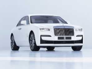 Por R$ 1,8 mi, Rolls-Royce apresenta o novo Ghost 2021